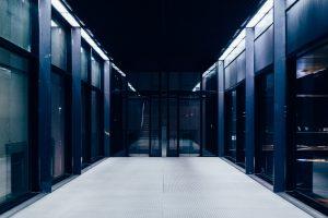 この記事では間違いないレンタルサーバーの選び方を解説しています。